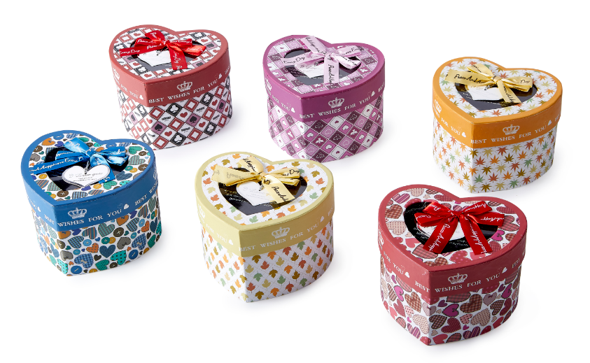 Heart shape gift box small paper gift box wholesale customized accept